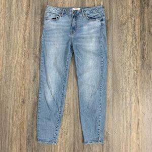 FOREVER 21 Light wash Jeans 31